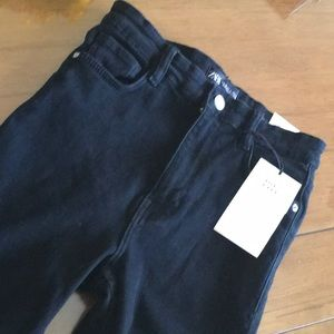 Hi-Rise Ankle Length Black Pants